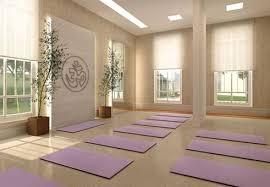 imagenes estudios yoga como decorar una sala de yoga salas de yoga yoga y estudios de yoga