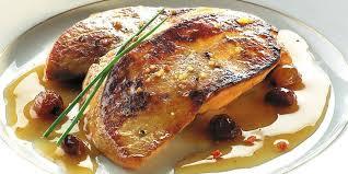 cuisiner du foie gras foie gras poêlé aux raisins recettes femme actuelle