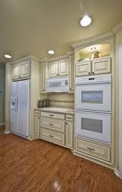 Help My New Antique White Kitchen Cabinets Look Yellow Are Creamy White Cabinets A Mistake