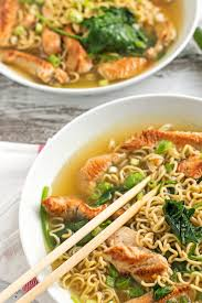 easy thanksgiving leftover recipes healthy turkey ramen bowls with spinach
