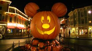 mickey u0027s halloween party vs mickey u0027s not so scary halloween party