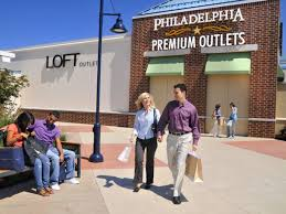 stores hours on black friday your handy guide to philly area malls u0027 black friday hours