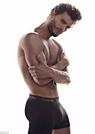 50 shades the scene where christian grey shaves ana s pubic hair fifty shades of grey s jamie dornan watches sex and the city to get