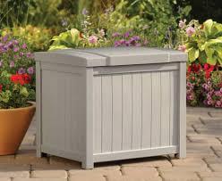 suncast 22 gallon light taupe resin small storage deck box ss900