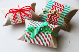 Holiday Gifts Cheap Easy And Eco Friendly Ways To Wrap Christmas Gifts