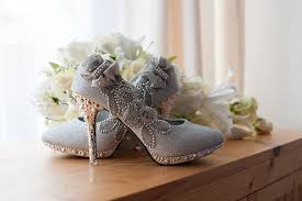 wedding shoes tips bridal shopping tips to buy a pair of shoes
