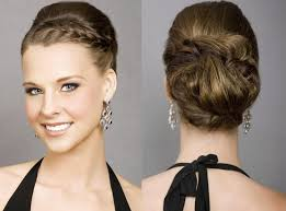 bridesmaid short hairstyles look beautiful by using the