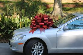 big bow for car present see how to make a gift bow out of ribbon pro bow the