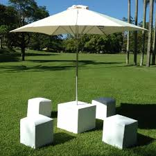 Patio Umbrella Table And Chairs by Outdoor Patio Umbrella Rental Umbrella Hire