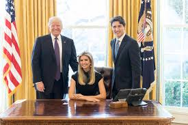Oval Office Desk Ivanka Posts Photo Oval Office Desk Reacts