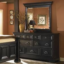 Bedroom Sets Visalia Ca Pulaski Furniture Brookfield Transitional Bedroom Dresser With