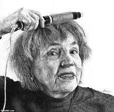 artist heikki leis hyper real pencil drawings of everyday life in