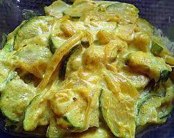 cuisiner avec du lait de coco recette de courgettes lait de coco et curry