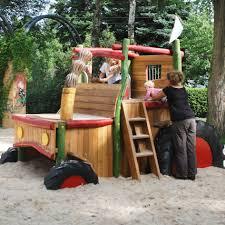 tracteur en bois jeux en bois places de jeux tracteur toboggan midori