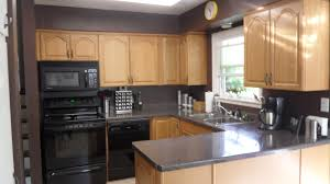 Oak Cabinets Kitchen Design by Kitchen Colors With Oak Cabinets And Black Countertops Tv Above