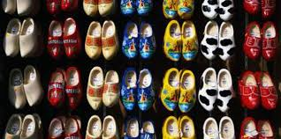 How To Decorate Shoes How To Decorate Plain Wooden Shoes