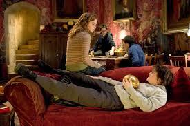 harry potter et la chambre venez dormir dans la chambre d harry potter le du bureau