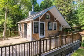 cottage house exterior cape cod studio cottage exterior via smallhousebliss home design