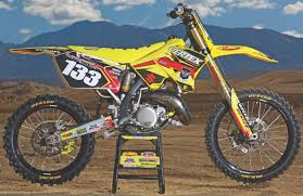 best 125cc motocross bike motocross action magazine mxa u0027s 2006 suzuki rm125 two stroke