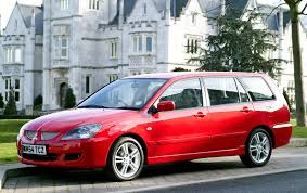 2004 mitsubishi wagon mitsubishi lancer estate review 2005 2008 parkers