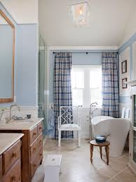 Small Cottage Bathroom Ideas Photos Hgtv Cottage Bathroom With Soaking Tub Loversiq