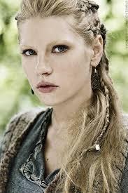 how to plait hair like lagertha lothbrok vikings lagertha vikings and dreadlocks