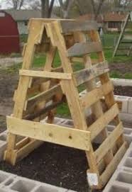 recycle pallet trellis for vegetable garden climbers a