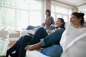 Livingroom Images More Young Americans Live With Parents Than With Lovers Money