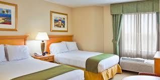 3 Bedroom Hotels In Orlando Holiday Inn Express U0026 Suites Nearest Universal Orlando Hotel By Ihg