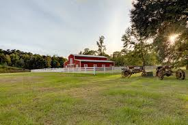 Red Barn Mt Vernon Mo The Hideaway At Reed U0027s Estate Venue Brookhaven Ms Weddingwire
