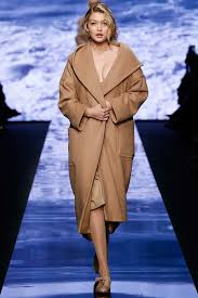 max mara fall 2017 ready to wear collection vogue