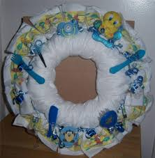 looney tunes baby shower baby shower looney tunes wreath taz tweety bugs bunny