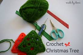 beautifully textured christmas tree skirt crochet pattern by