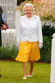 Queen Elizabeth Purse Queen Elizabeth Ii Best Style Moments Queen Elizabeth