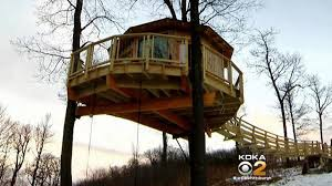Treehouse Cleveland - fayette co family u0027s luxury treehouse featured on national tv