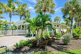 pools privacy vacation rentals close to the beach on anna maria