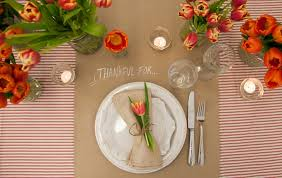 easy diy able thanksgiving tablescape tulips butcher paper