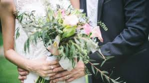 how much money to give at a wedding q a how much money is appropriate to give as a wedding gift