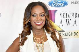 kandi burruss hairstyles 2015 kandi burruss hair rhoa star shows off her natural locks the