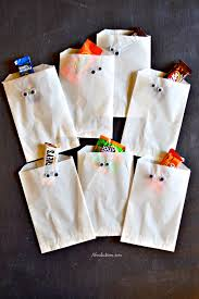 treat bags diy treat bags and a candy cookie bars recipe