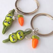 peas in a pod keychain best friend pea pods friendship keychains best friend