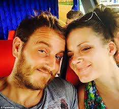 rachel turner found dead in thai hotel pool while boyfriend was