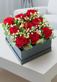 luxury flowers luxury flower hatbox birthday flowers