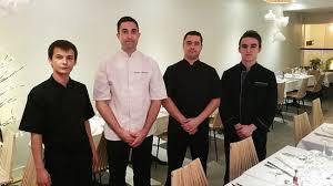 equipe de cuisine le chef nicolas montagne et sa nouvelle équipe de cuisine vous