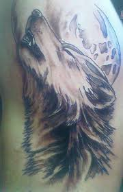 wolf howling at the moon cool tattoos