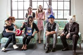 craft halloween costumes see pinterest staffers model their crafty halloween costumes racked