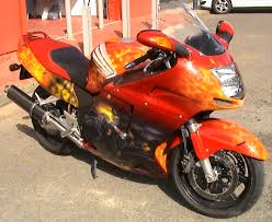 cool custom paint on a cbr 1100 xx cbr 1100 xx super blackbird