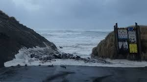 Seeking Oregon Coast High Surf Rocks Oregon Coast Threatening Lives And Property Kval