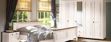 schlafzimmer komplett massivholz schlafzimmer komplett massiv möbilia de