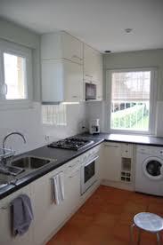 lave linge dans cuisine cuisine gîte urbain tout près de toulouse et muret